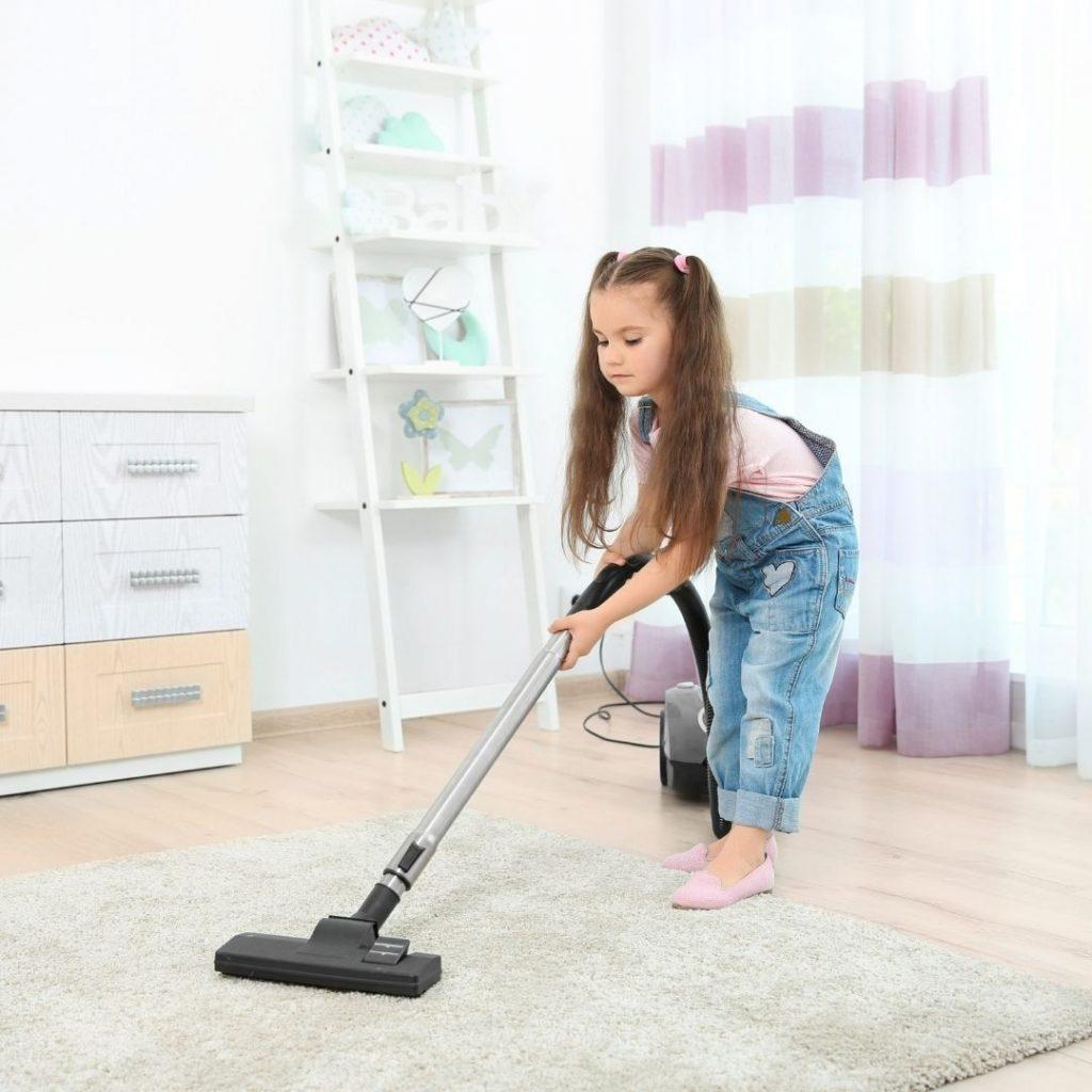 Melatih Anak Membantu Pekerjaan Rumah